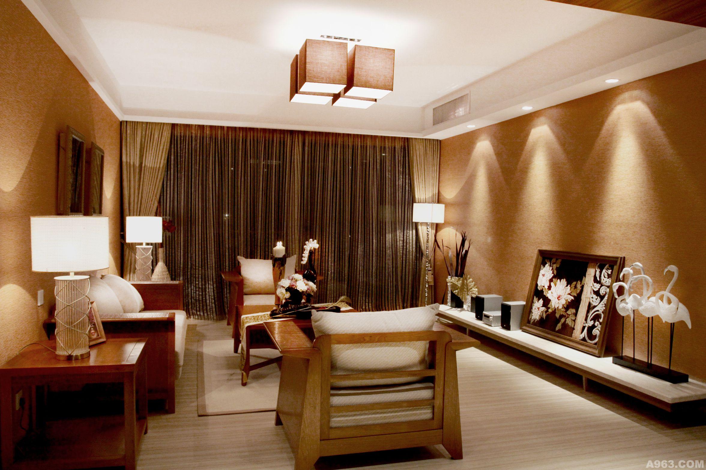 中式的墙布,胡桃木等等图片