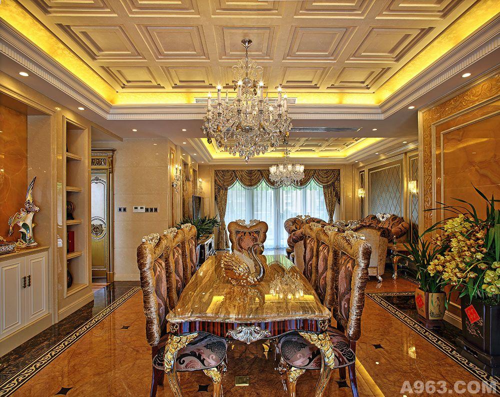 为新古典欧式奢华风格,引用国际顶级珠宝店宝格丽的金镶玉的设计理念