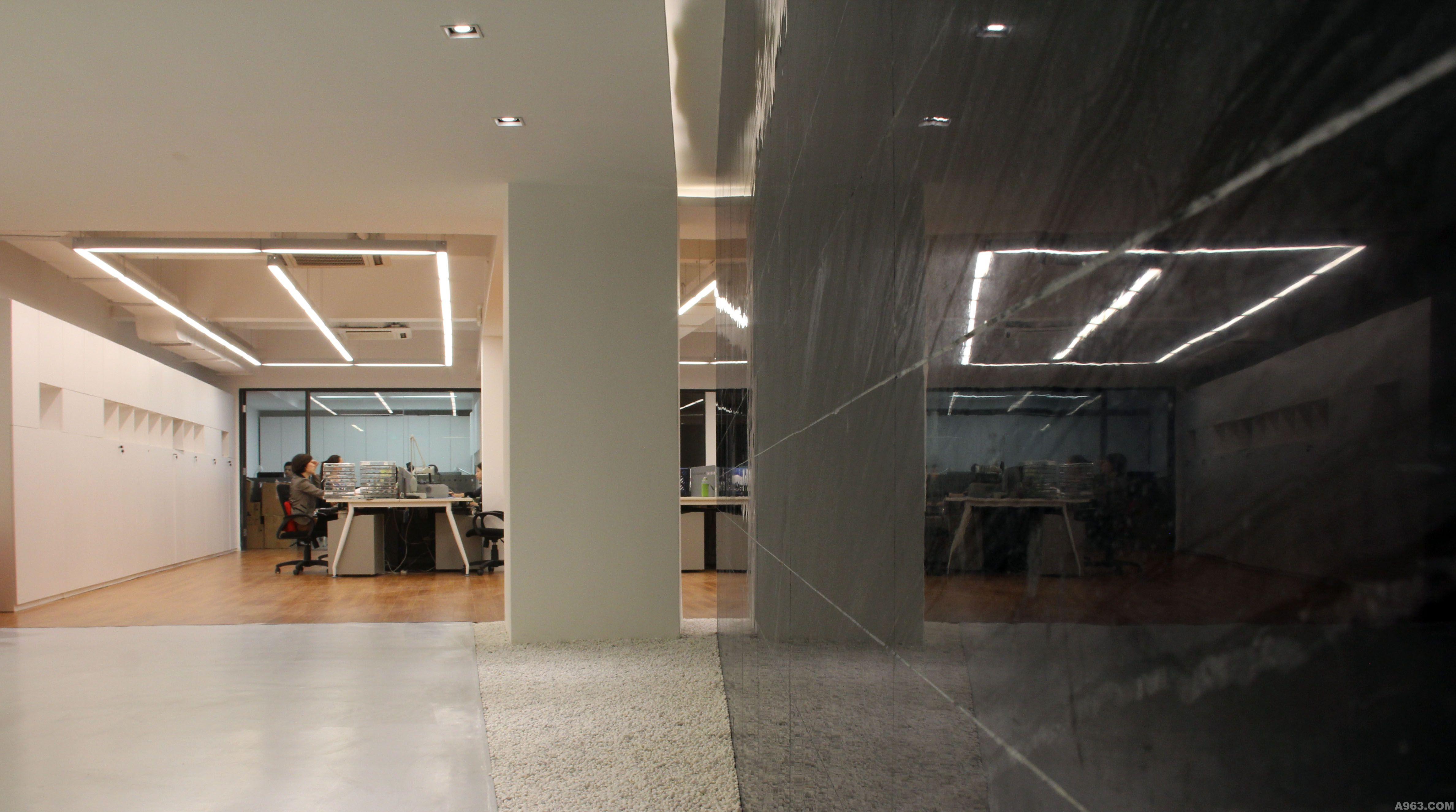 深圳市超级符号文化创意有限公司室内设计说明