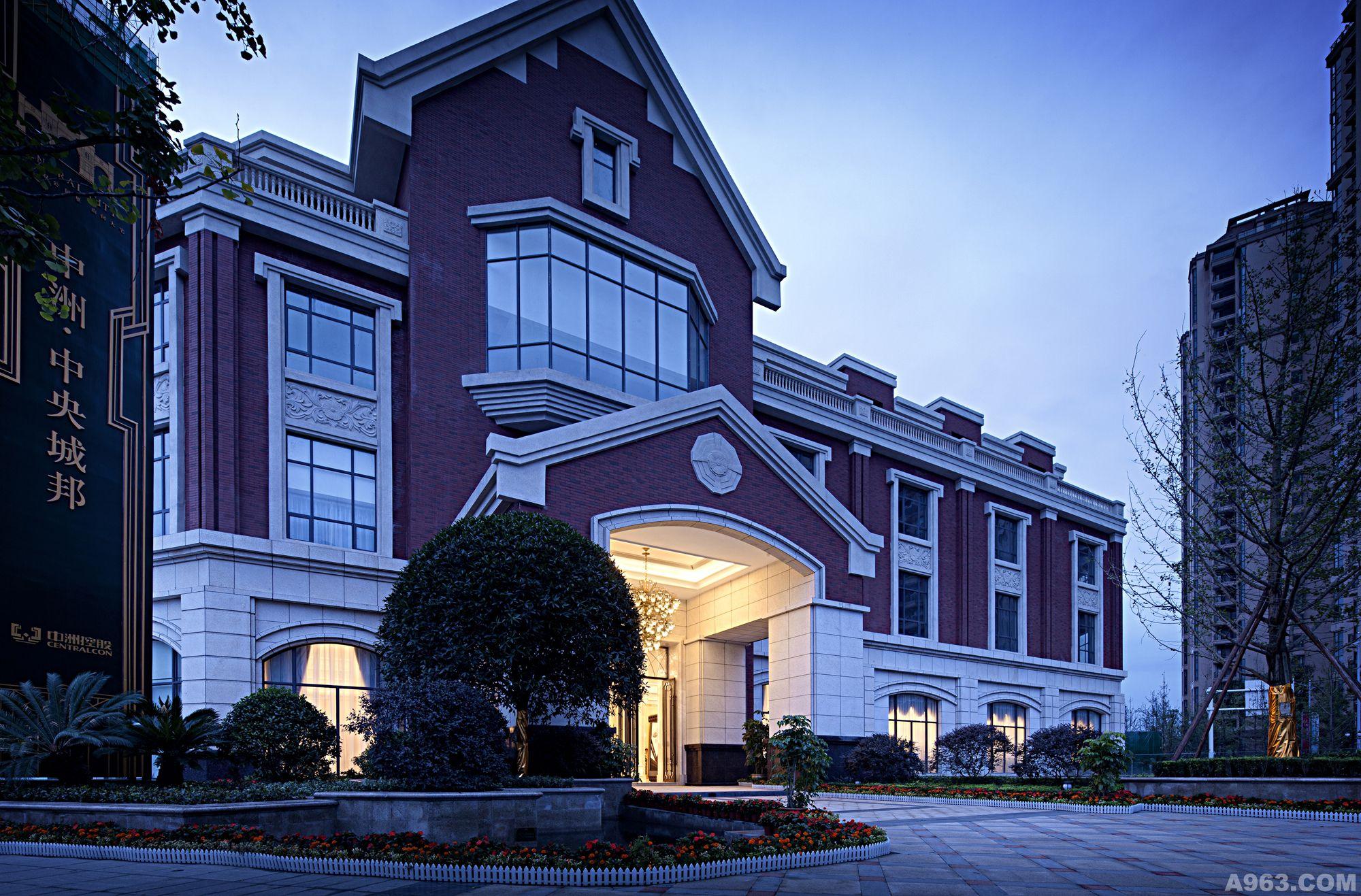 成都中洲中央城邦欧式新古典售楼处设计