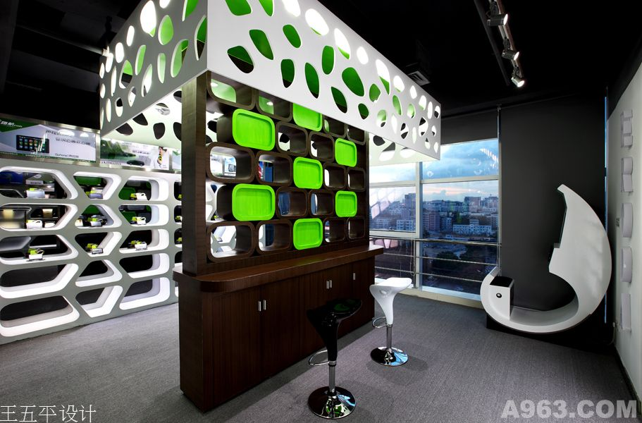 香港华锋实业e路航产品展厅设计说明