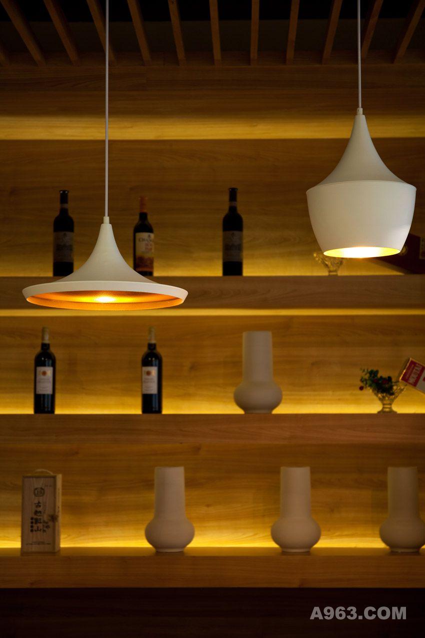 图二:深圳锦园四季椰子鸡餐厅设计 灯饰