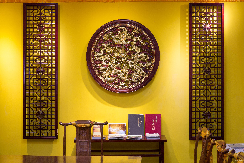 藏式木质雕花设计风格