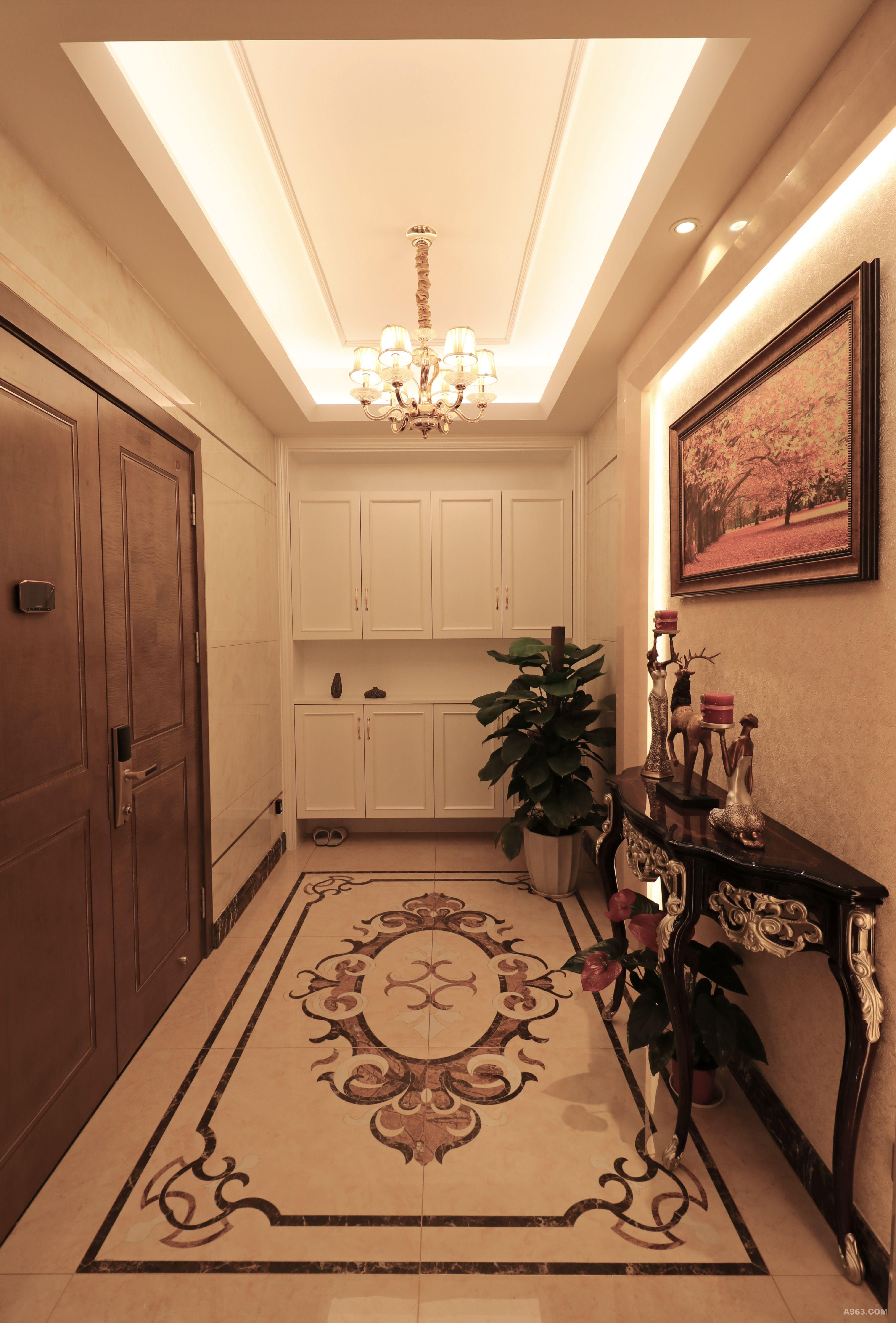本次设计方案以白色调为主, 客厅沙发与电视背景应用大理石线条,微晶