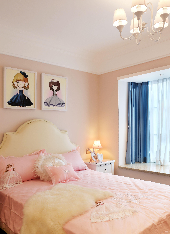 浅粉色蕾丝5件套床品(购于实体店) 粉色公主风设计,加上蕾丝的点缀,集清新小优雅于一体,为小女孩的空间,打造出出浪漫情怀。