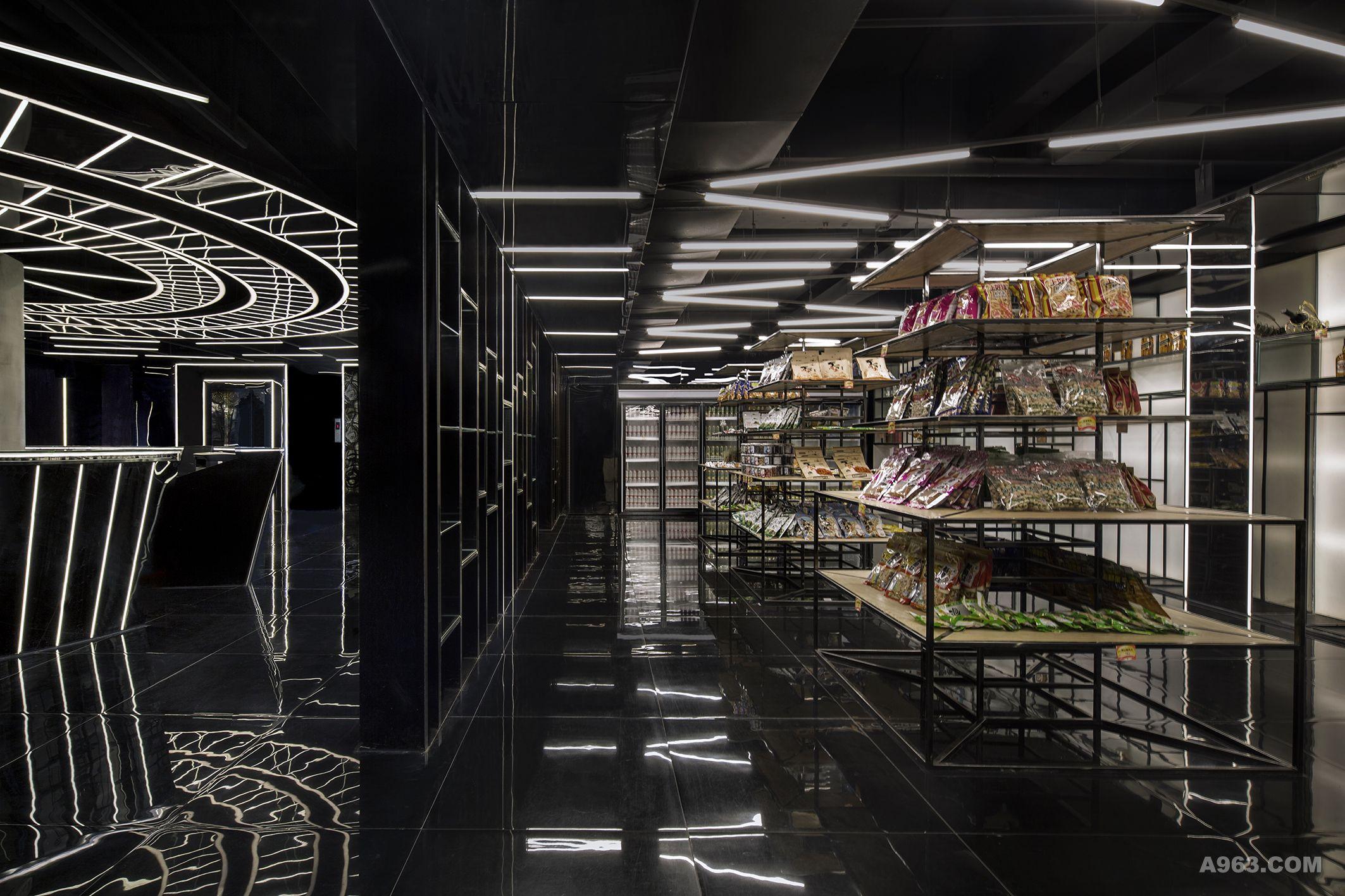 大堂超市 我们希望通过天花线形灯的设计摆放形式,来体现一种快捷感与速度感。